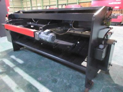 アマダ M-2560
